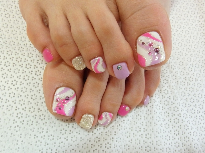 stylish pedicure nail art designs for summer 2012 black star