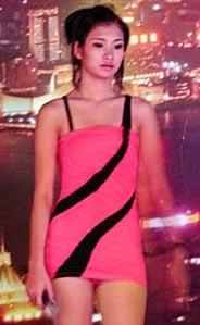 Karaoke singer from Pink Lady 2002 in Phuket
