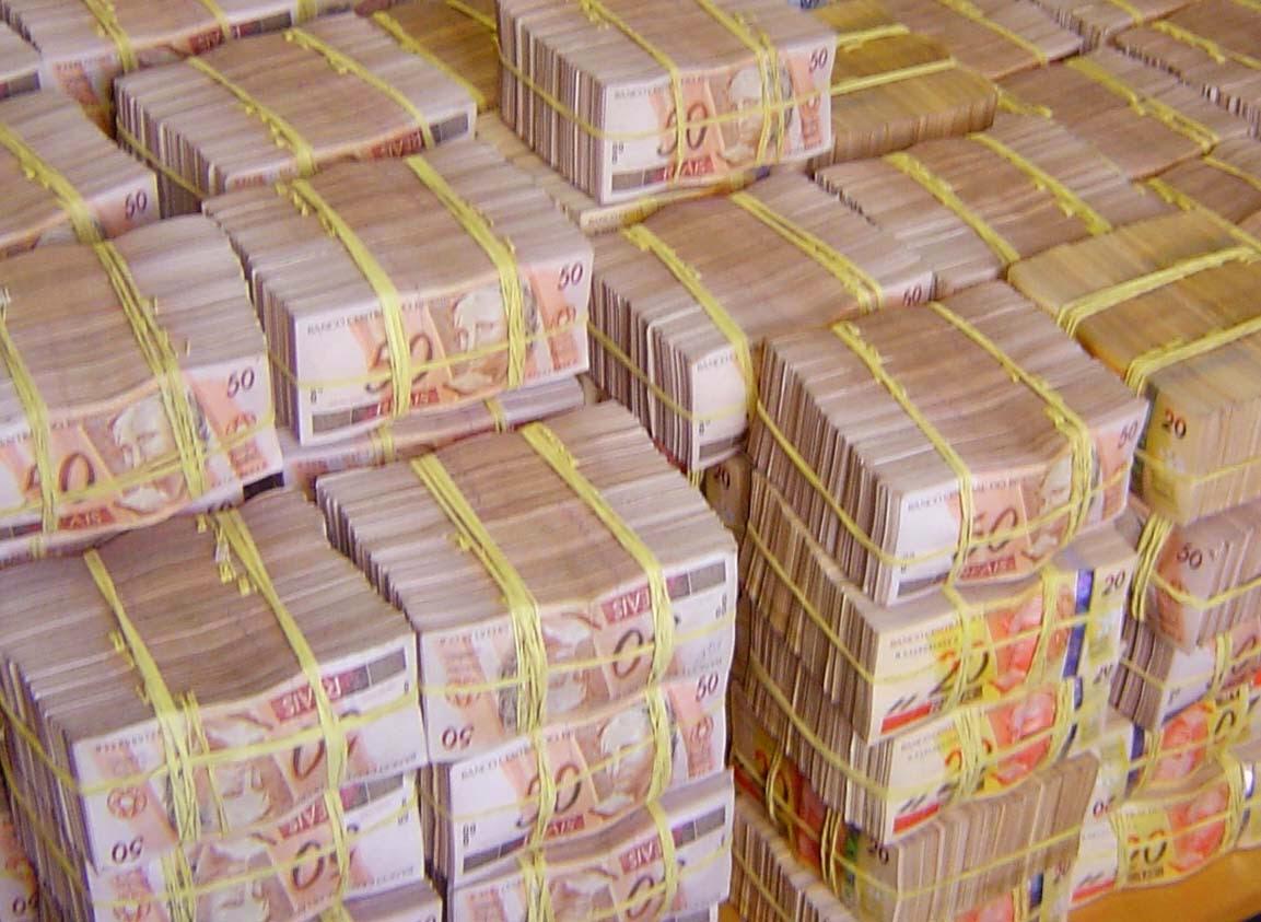 Ganhador da Loteria gasta todo dinheiro e fica pobre