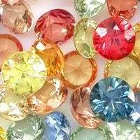 diversas piedras preciosas