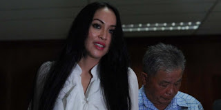 angie1 Foto   Foto Bahagia Angie Divonis 4 Tahun 6 Bulan