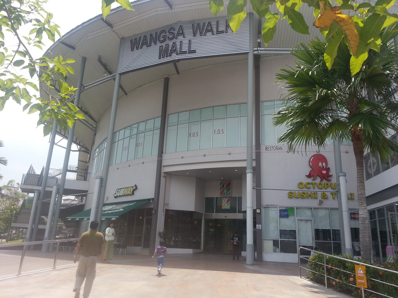 Wangsa Walk Mall - Wangsa Maju에서 쇼핑몰일