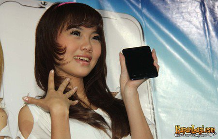 Foto Cherry Belle Terbaru 2013 Launching HP Maxtron