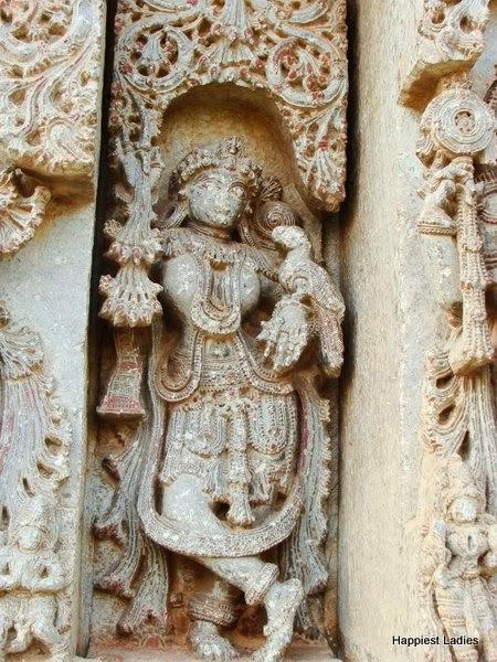 carvings at LakshmiNarayana Temple Hosaholalu