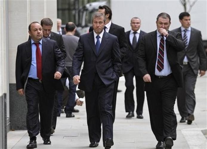 hombres mas ricos de rusia: