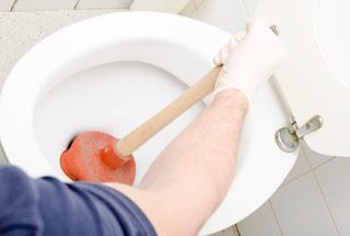 WC anda mampet , lakukan tips ini