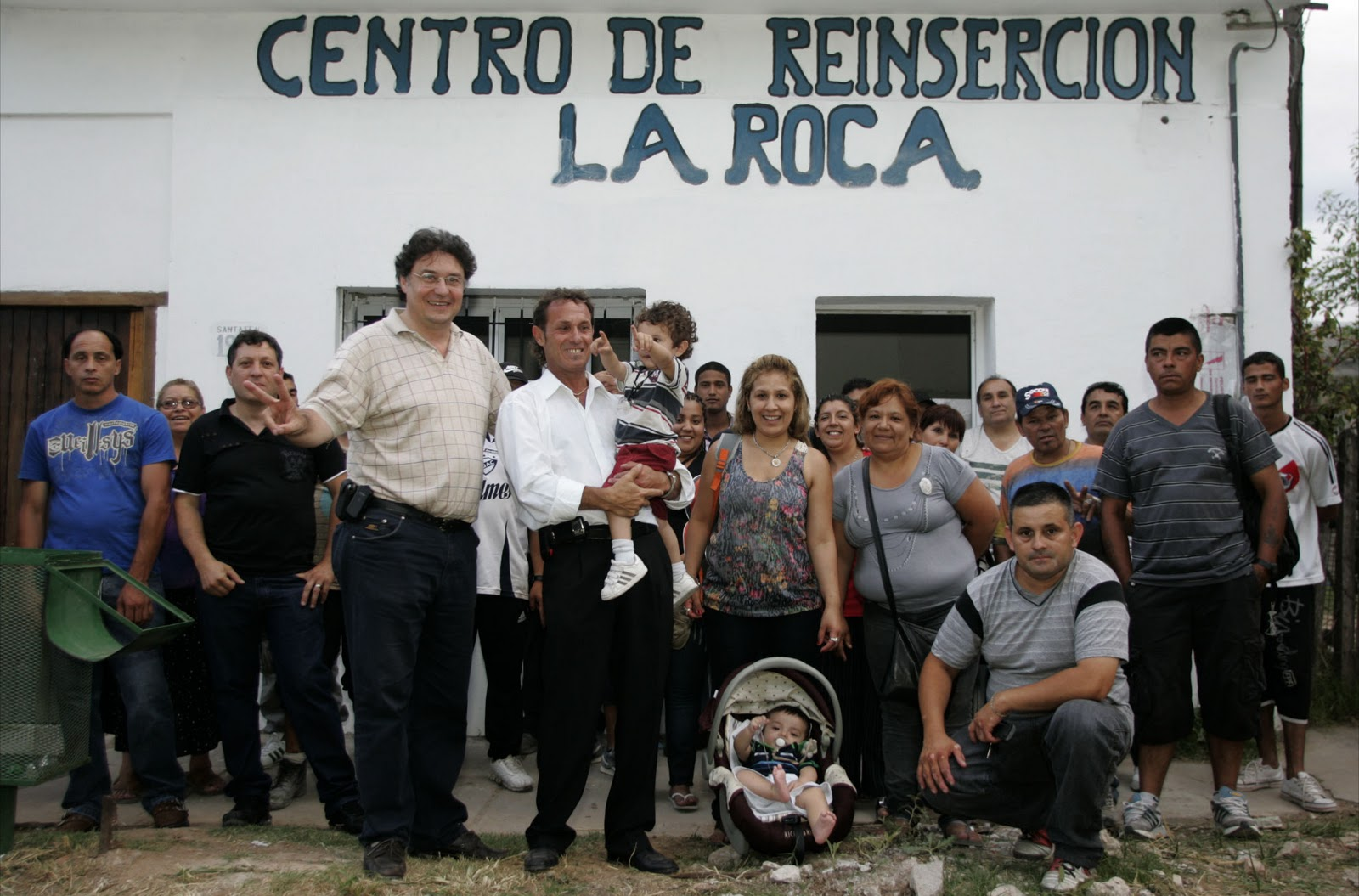 Quilmes digit l 2 aniversario del centro de reinserci n for Centro la roca