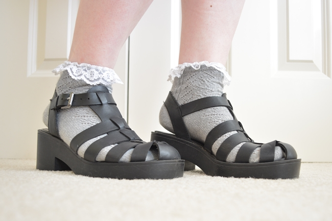 new look chunky sandals shoes 90s fashion trend