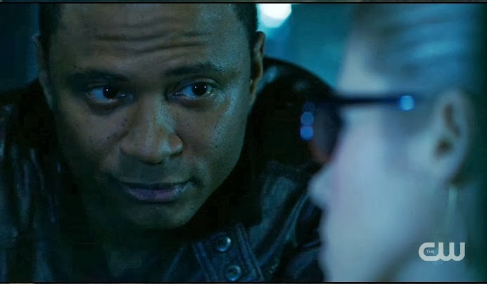 John Diggle David Ramsey Felicity Smoak Emily Bett Rickards Arrow screencaps