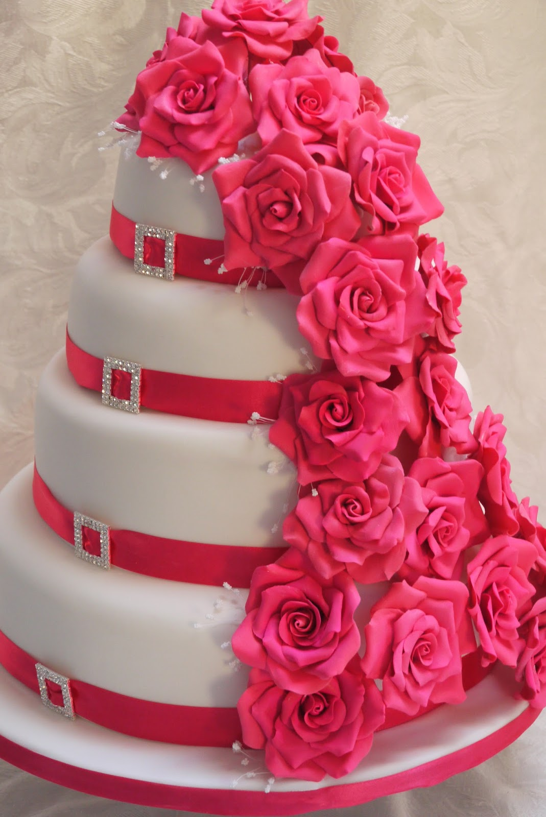 Hot Pink Cake Images : Scrummy Mummy s Cakes: Hot Pink Roses