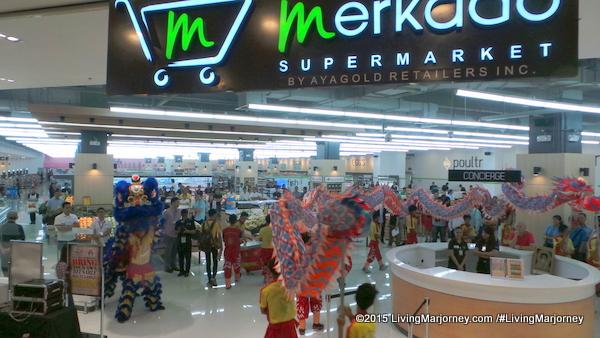 What's Inside Merkado Supermarket In UP Town Center