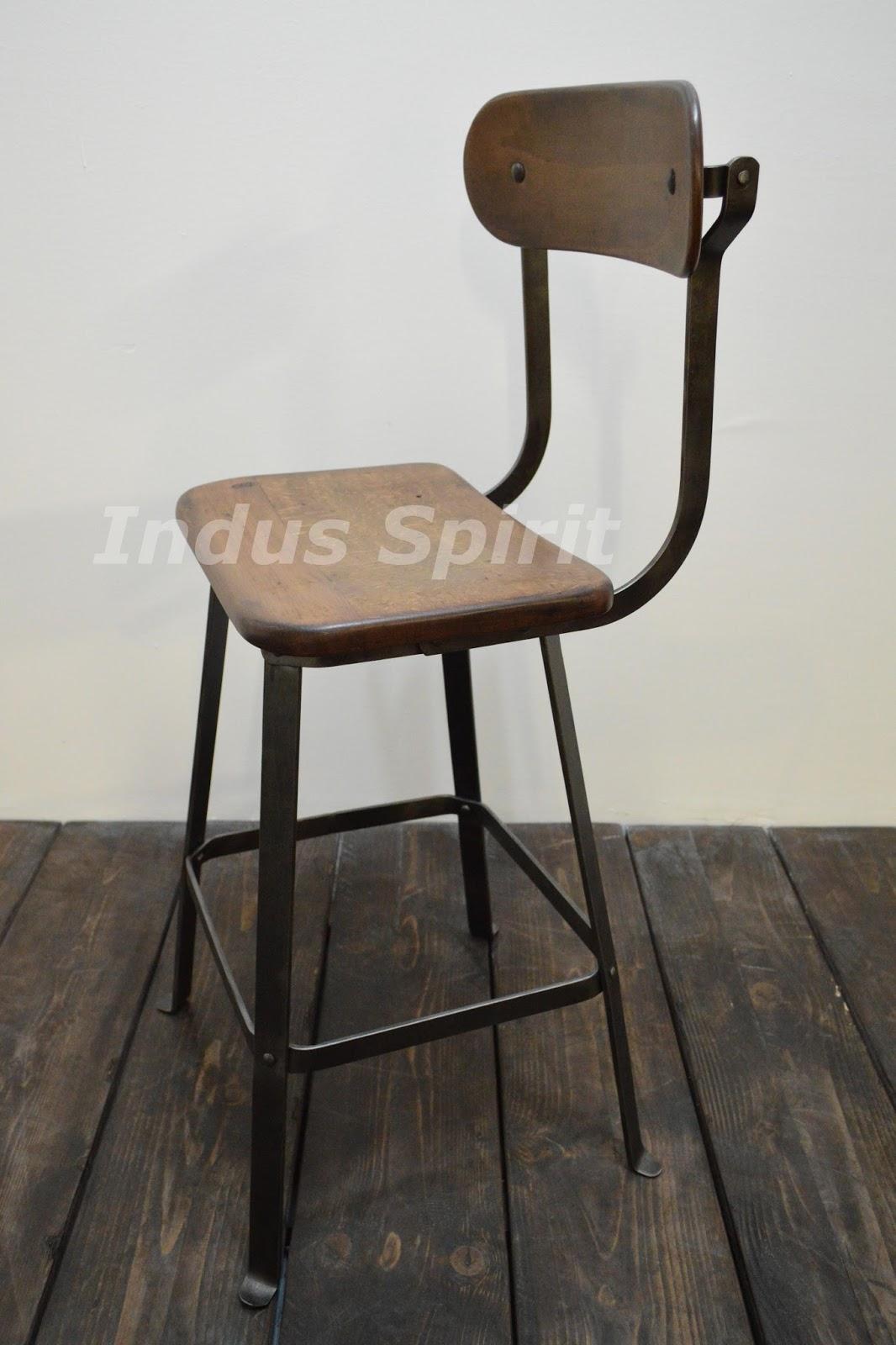 chaise d 39 atelier bienaise. Black Bedroom Furniture Sets. Home Design Ideas