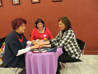 Consulta lectura de manos Encuentro Esotérico de Sevilla