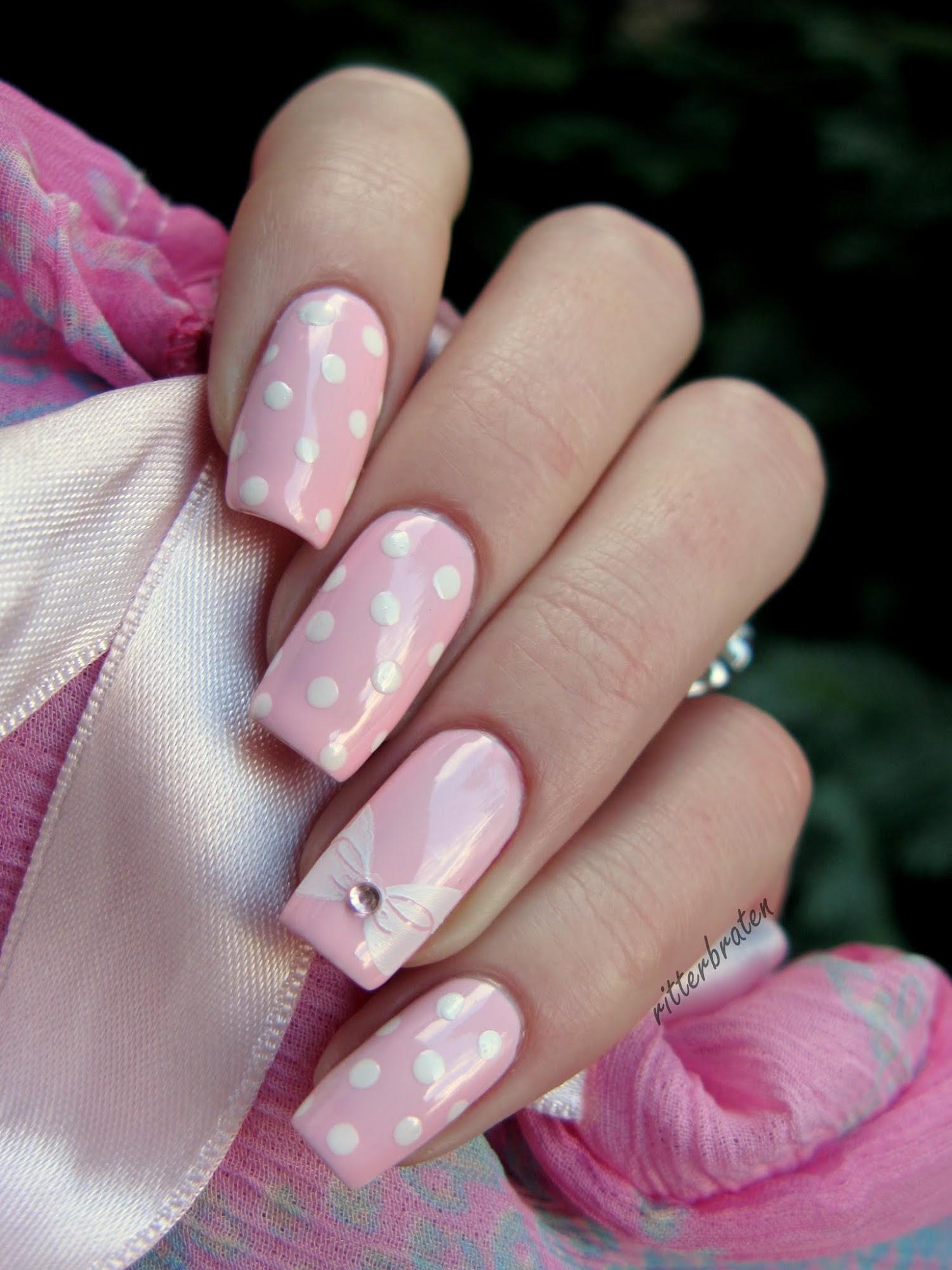nails bow