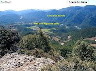 Vista de la vall de l'Aigua de Valls des de l'inici del grauet de Coll de Berla. Autor: Ricard Badia