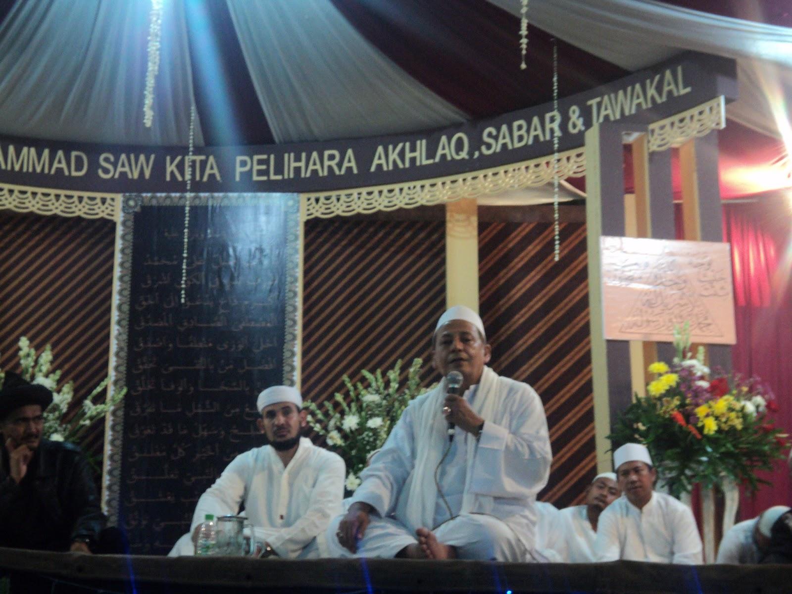 maulid nabi muhammad saw dengan mengangkat tema maulid nabi muhammad