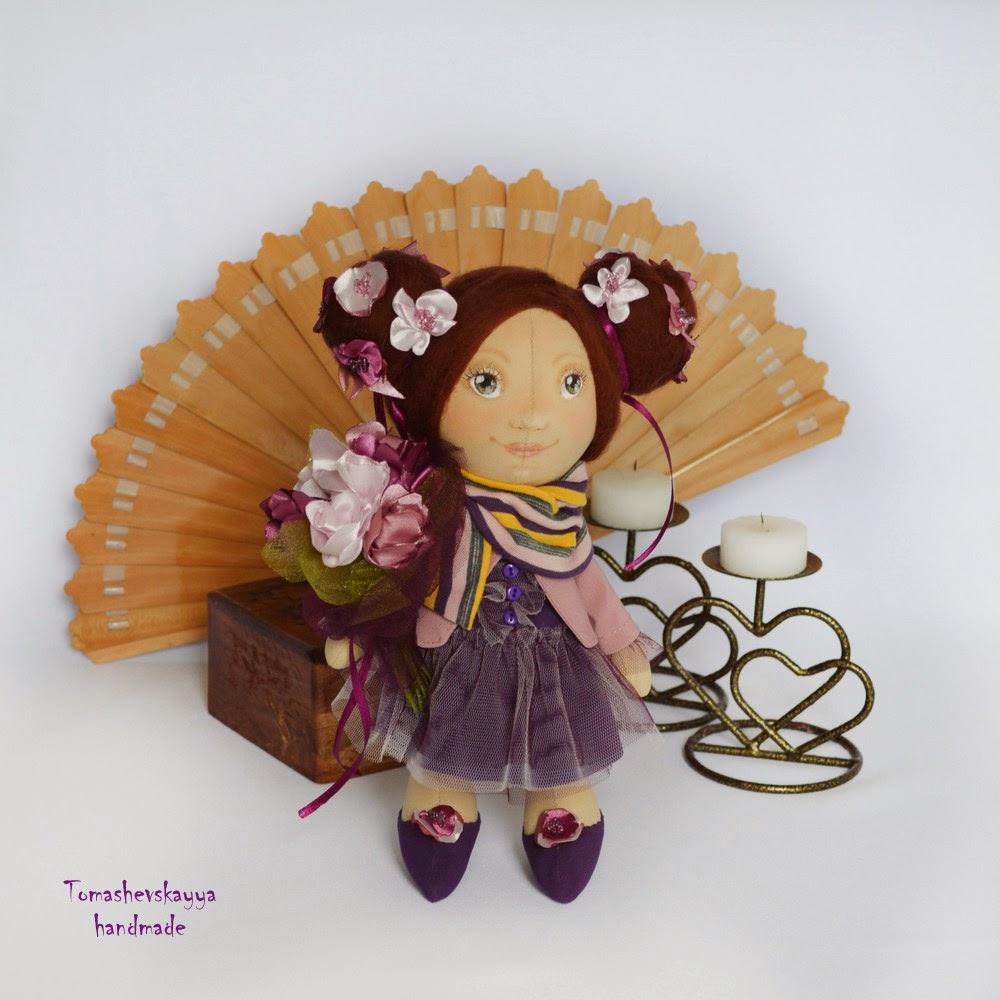 Красивая кукла девочка