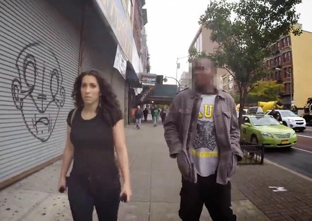 Shoshana B é assedia nas ruas de Nova York