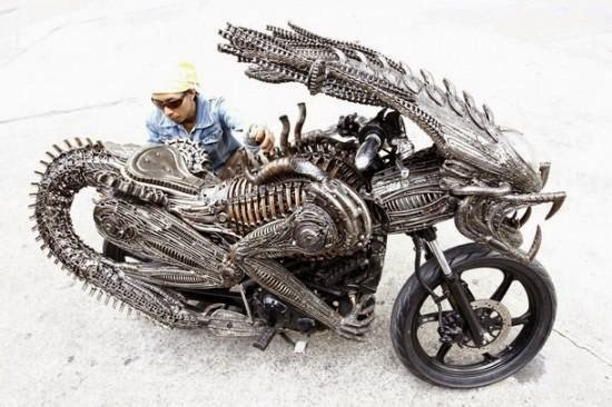 Alien-Predator Motorcycle