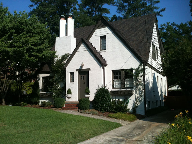 House Colors: Painted Brick with Dark Trim