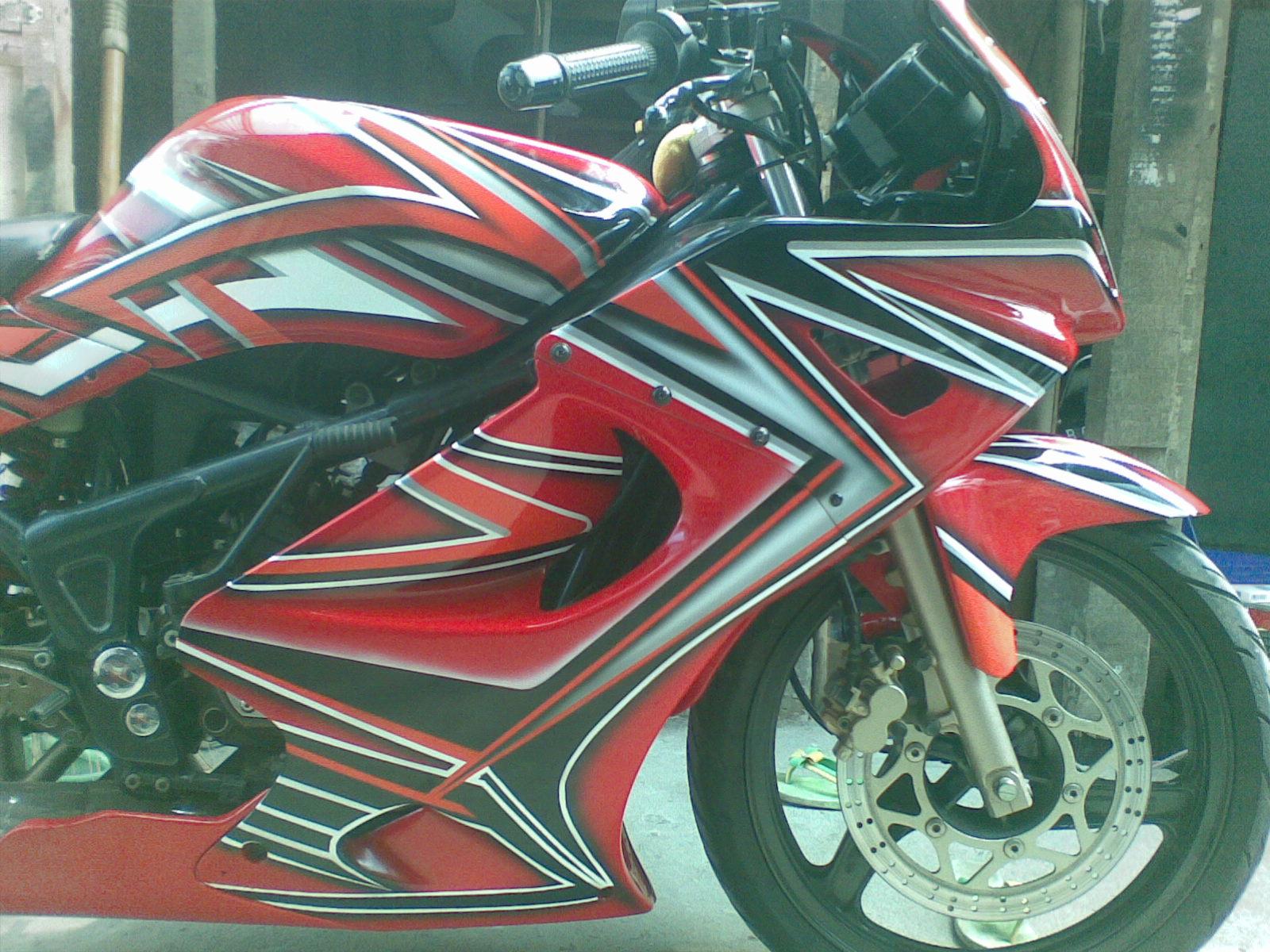Ini adalah step by step pengerjaan airbrush Kawasaki Ninja RR. Sang  title=