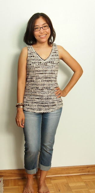 black and white tank cuffed jeans teacher style
