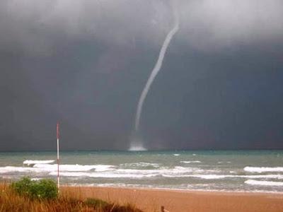 tromba marina waterspout