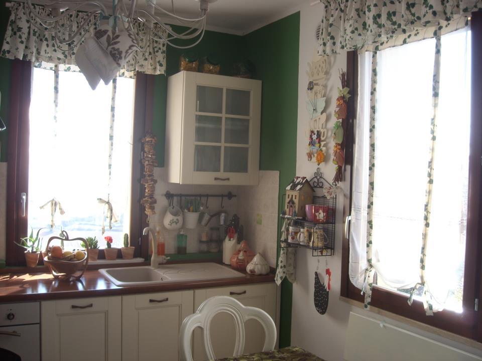 La casa di rory marzo 2012 - Cucina con finestra ...