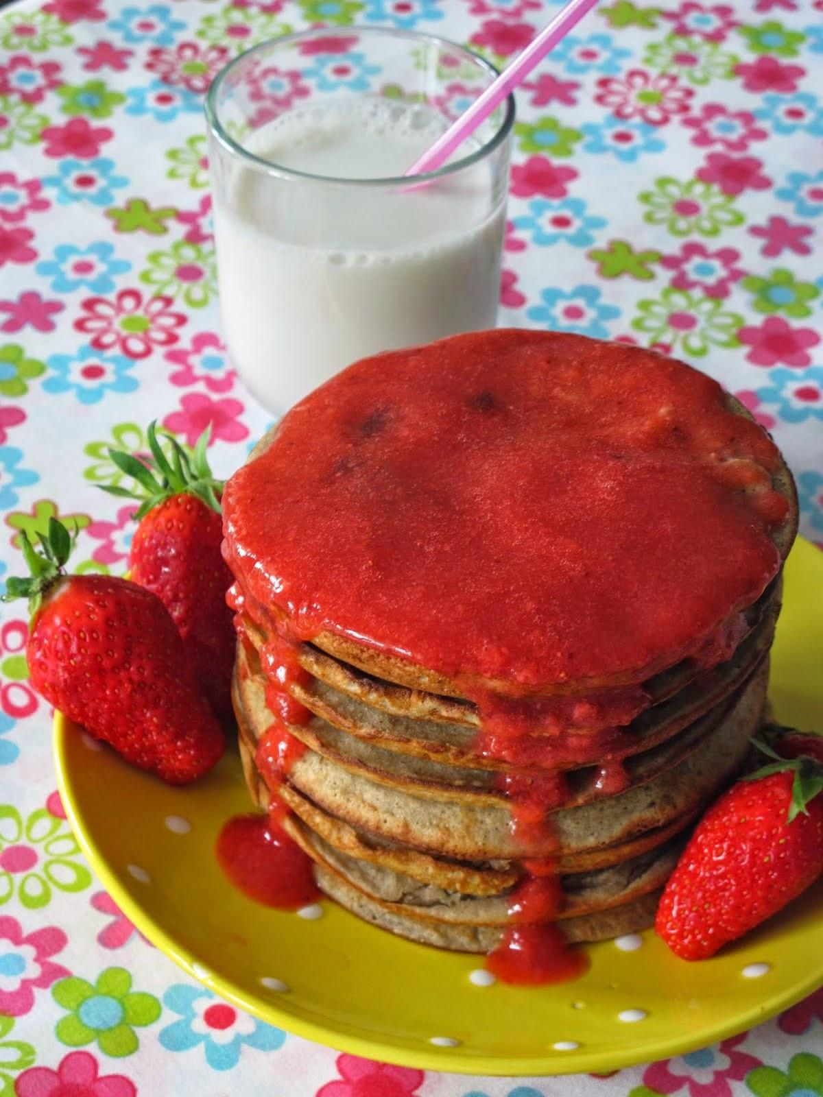 sans gluten sans lactose pancakes au coulis de fraises sans gluten et sans lactose. Black Bedroom Furniture Sets. Home Design Ideas