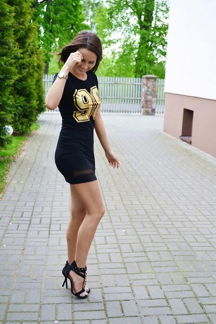 Sportowa sukienka na elegancko