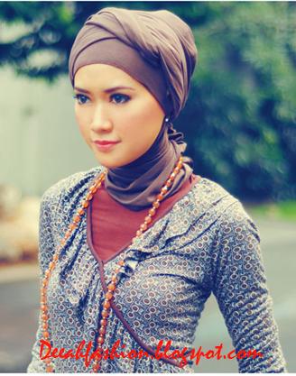 Tips Jilbab Untuk Wajah Kecil Oval