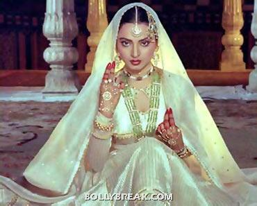 Rekha is memorable in this delicate white outfit. It was made for her. - (7) - Memorable bollywood outfits over the years- hot!!