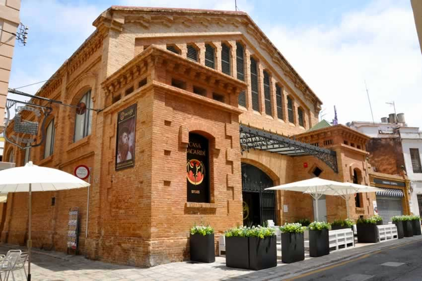 Urbina vinos blog la casa museo del ron bacard en sitges barcelona espa a - Arquitecto sitges ...