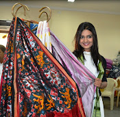 Neha Deshpande at Pochampally IKAT Art Mela 2015 Photos-thumbnail-2
