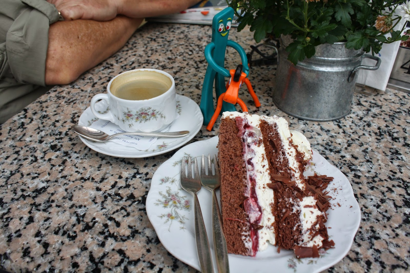 black forest cake - cafe decker