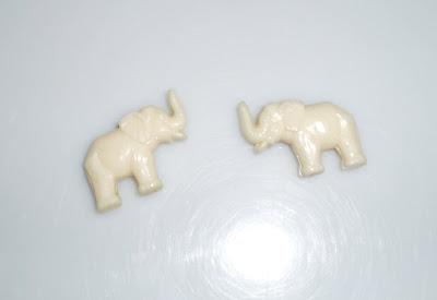 Kis fehér elefántok