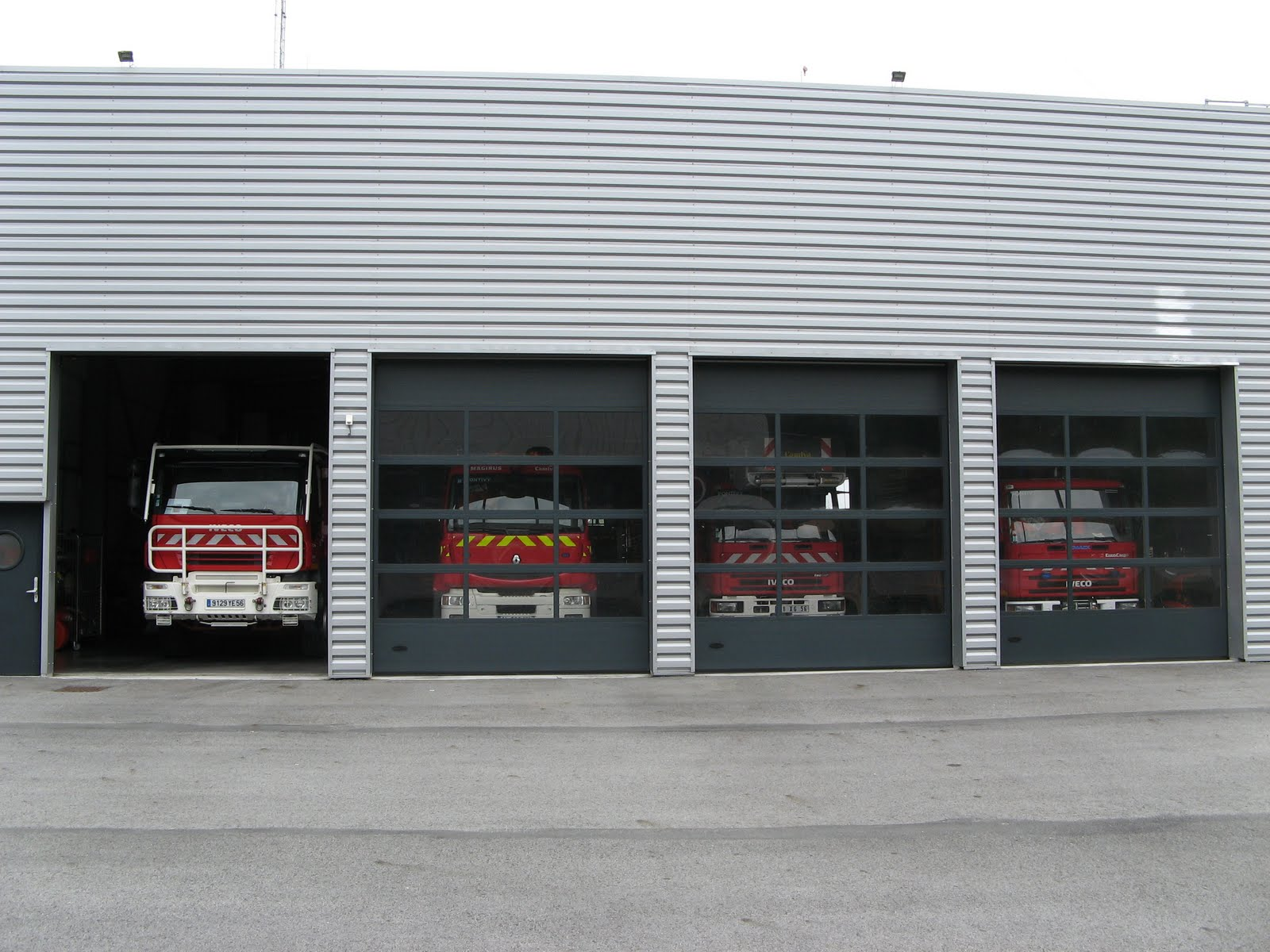 French fire station pontivy 56 inside pontivy fire for Bureau 56 pontivy
