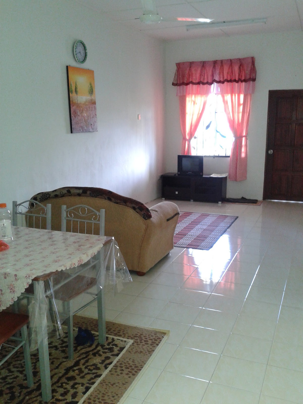 Homestay Dekat Pekan Pahang RM150 Bukit Gambang RM 180 Call 019 951 1971 Cikguazis