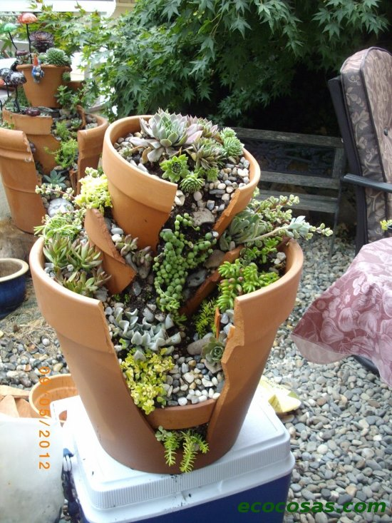 Originales ideas para dar otra vida a las macetas rotas hazlo t solito - Macetas originales para plantas ...