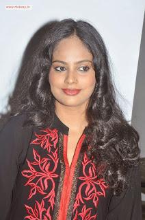 -Neechal-Actress-Nanditha-Stills-at-Success-Meet