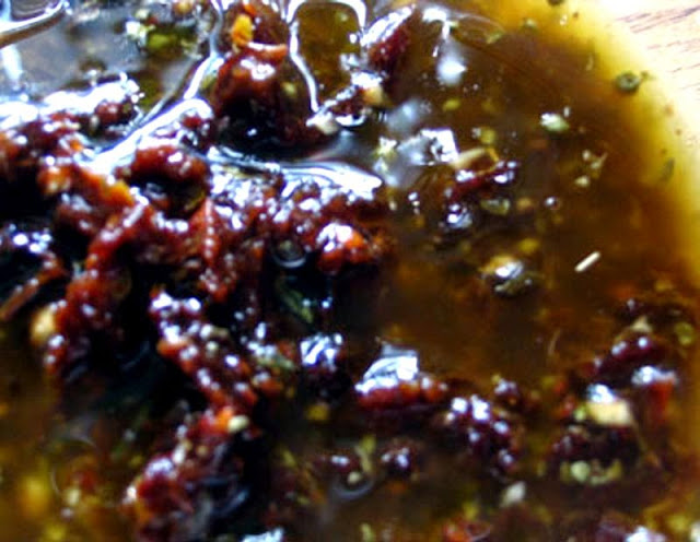 Sun-Dried Tomato Vinaigrette