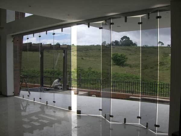 Puerta Baño Hacia Afuera:Las puertas y ventanas se catalogan como: