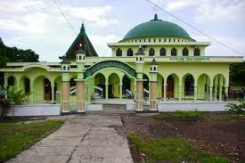 Masjid Tiban - Paket Wisata Gunung Bromo dan Kawah Ijen