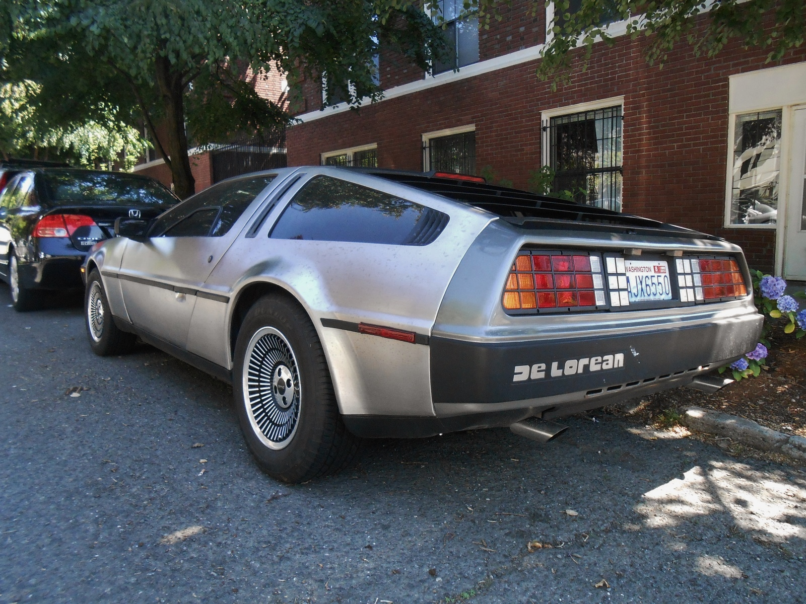 Seattle S Parked Cars 1981 Delorean Dmc 12