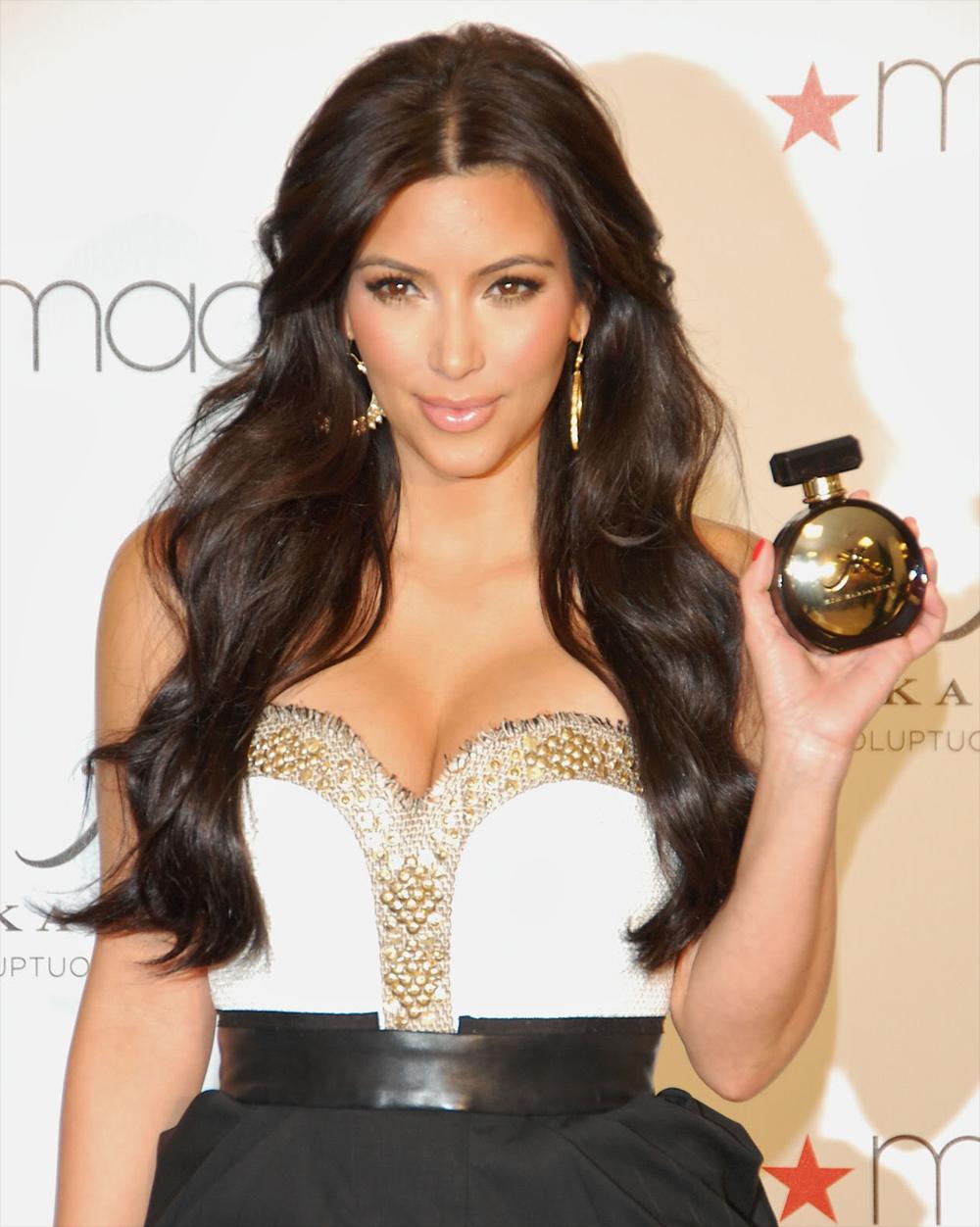 Kim Kardashian Curly Hair 07