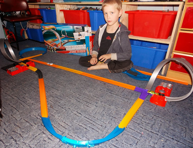 massive hot wheels floor track set super booster