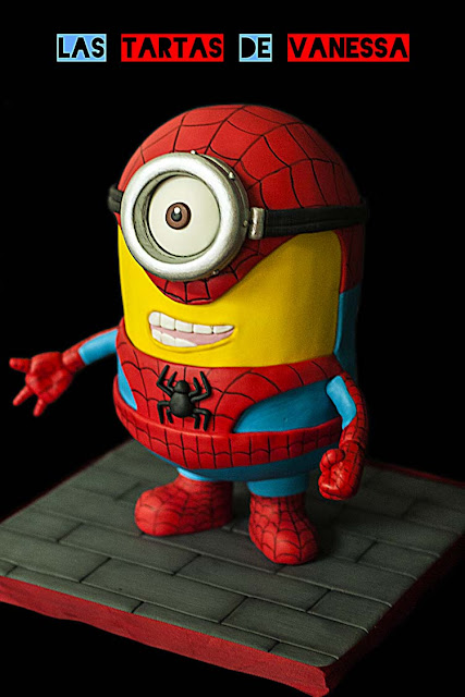 tarta minion spiderman