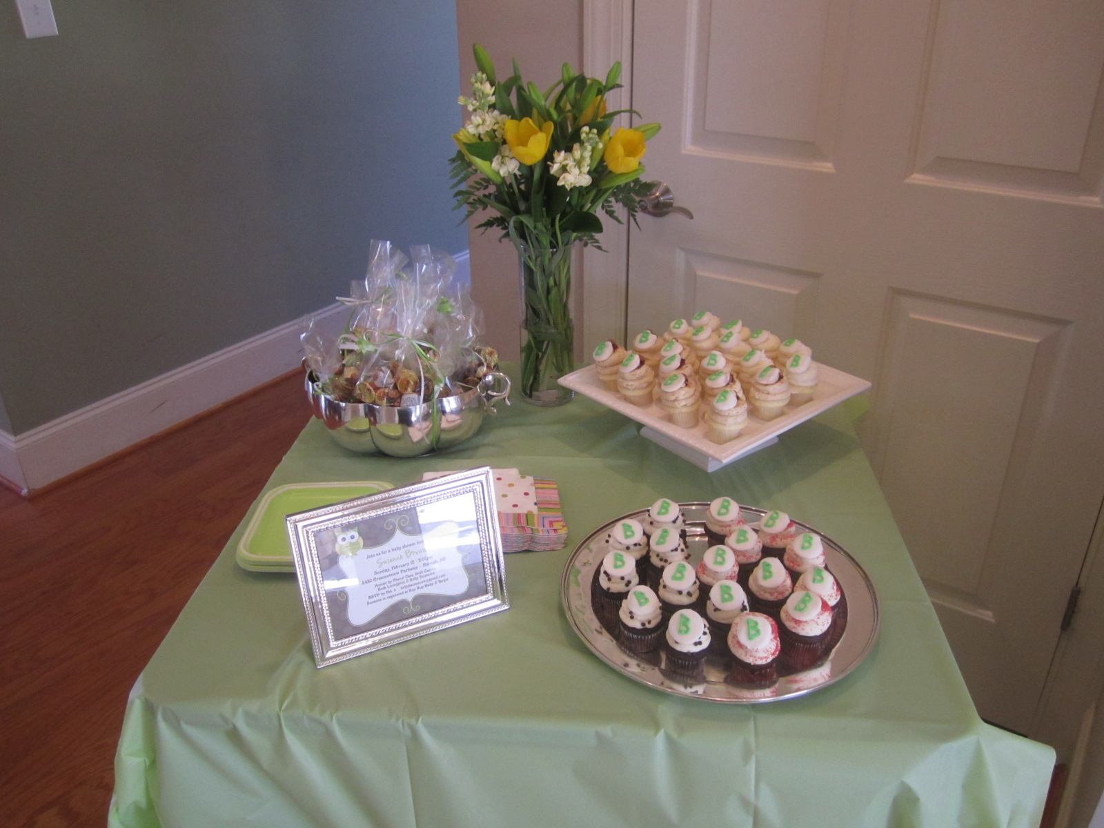 Classic Annie.: Suz's Green and Brown Baby Shower