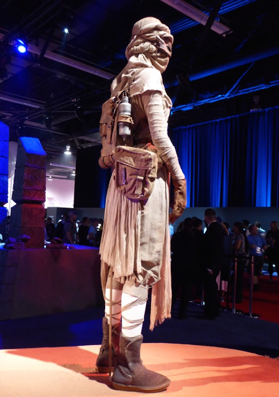 Star Wars Force Awakens Rey costume detail