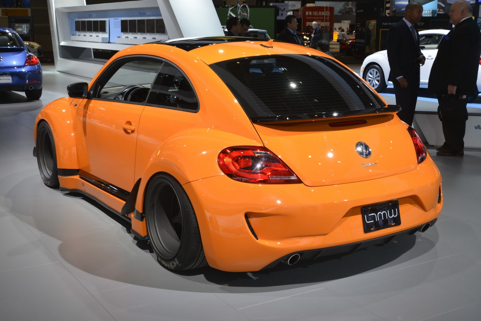 vw tanner foust racing eneos rwb beetle brings  color  chicago show carscoops